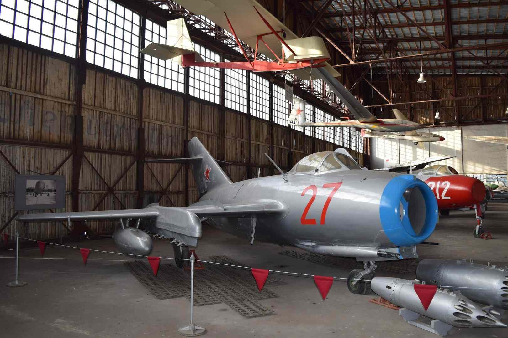 C:\Users\vadim\Documents\Наработки текста по самолетам\Ангар 8\Самолет МиГ-15\DSC_0178 (Копировать) (Копировать).JPG